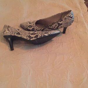 Snake skin 2 inch heels